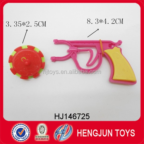 cheap price plastic spinning top gun toy