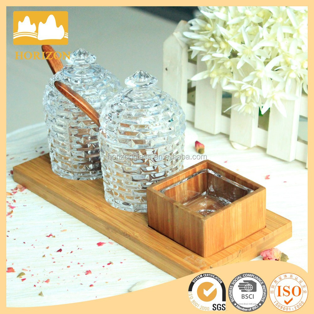 Hot Clear Set Glassware Goods For Home Use With Spoon and Wood Tray Glass Jar For Sugar And Spice