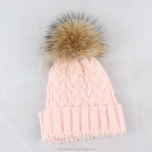 H5b Wholesale Women Pom Pom Hats Fold up Beanie Winter Hat with Big Size Top Real Raccoon Fur Balls