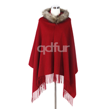 QD30362 New Design Women Shawl with Raccoon Dog Trim Hoody