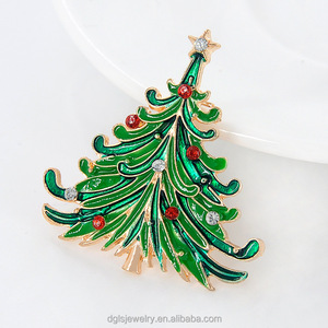 Christmas ornaments new wholesale enamel diamond Christmas tree brooch wild clothing accessories needle pin