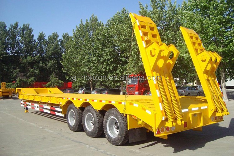 Heavy duty 3 axles Low Bed semitrailers / Truck Trailer for Heavy Equipment and Excavator Transport