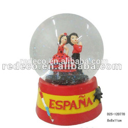Resin wedding favors snow globe