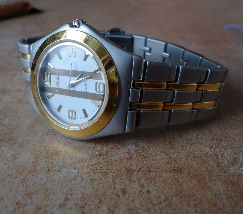 Silver and gold colors nice fashion luxury OMAX watch wristwatch for mens 42
