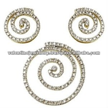 Round diamond jewellery, Diamond pendant earring set exporter, Adorable diamond earring pendant set