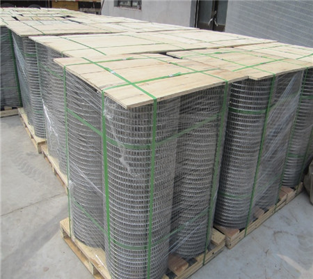 New products 2017 Hot Sale hot-dipped welded wire net 25m long per roll wire mesh