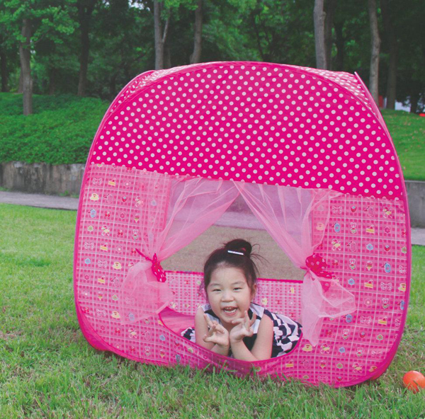 2014 wholesale pop up new design foldable kids play tent house