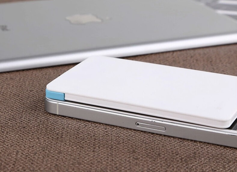 Slim pocket credit card size Powerbank portable charger power bank