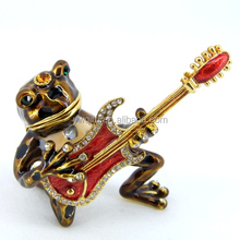 Hot sale metal frog shape toy with guitar trinket box