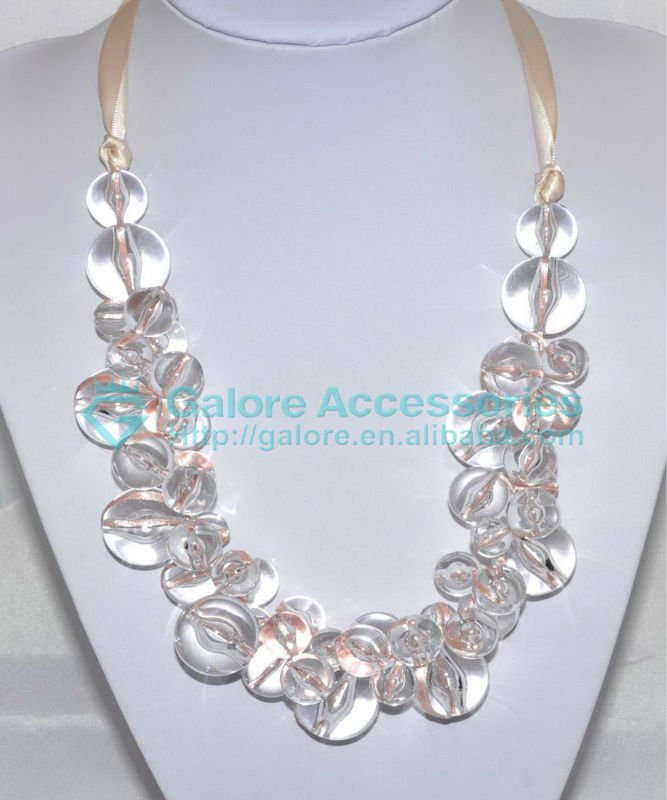 making cheap ribbon clear plastic large bead necklace