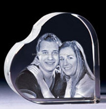 Laser engraved crystal heart wedding keepsakes for guests