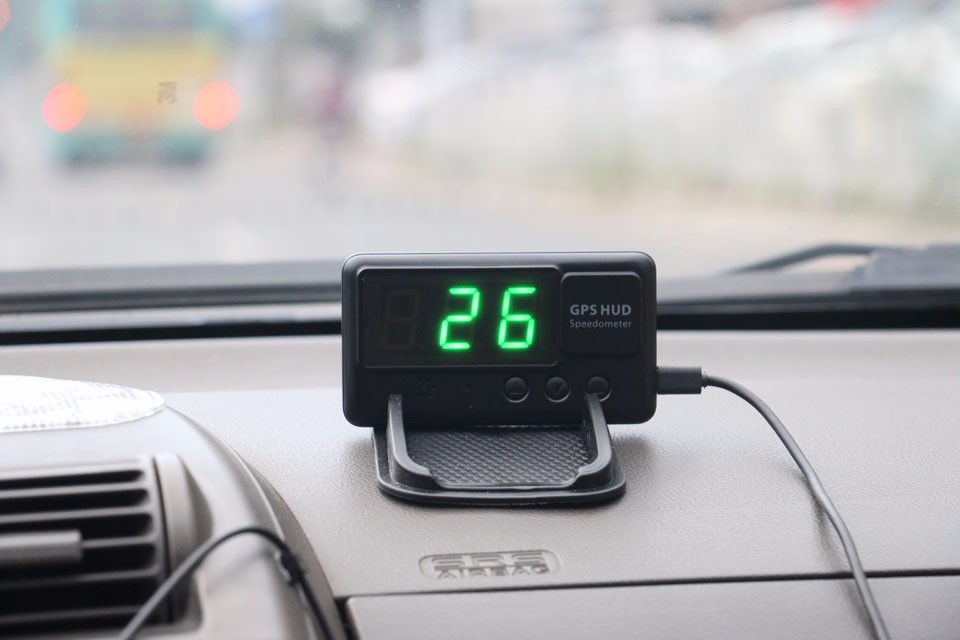 gps logger fonction de voiture hud head up display en. Black Bedroom Furniture Sets. Home Design Ideas