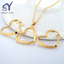 Gold Color Stainless Steel Necklace with Heart Shape Pendant and Heart Earrings Gold Plated Jewelry Sets Women Jewelry Set