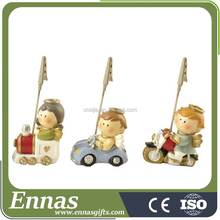 Polyresin children angel with momo clips for business gifts