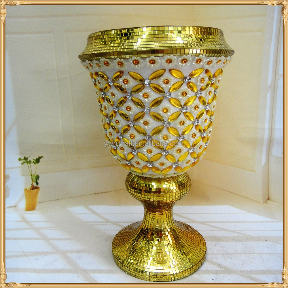 Alibaba hot selling flower ceramic vase decoration with jewel for gift