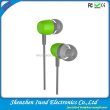 Wholesale excellent fashion green earphone cellular use earphone for apple iphone6s