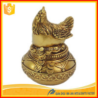 Custom resin figures decorative rooster chicken statue figure animal made in China