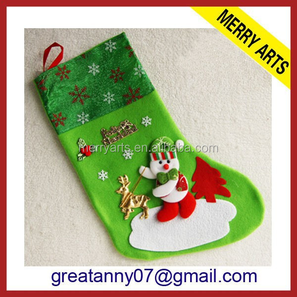 Wholesale YIWU market metal reindeer felted christmas sock green embroidered christmas socks