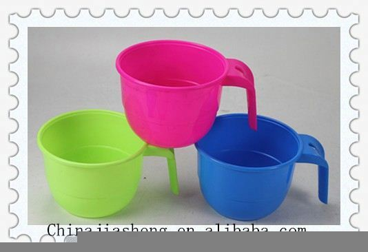 colorful good quality plastic bowl with lid and handle