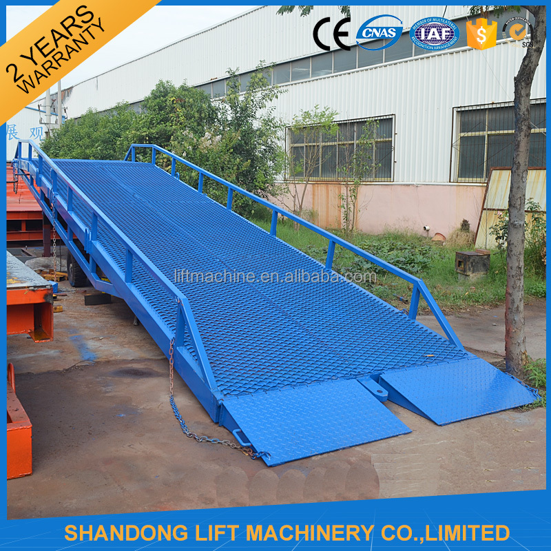 CE portable truck loading cargo ramp mobile hydraulic container dock loading ramp for forklift
