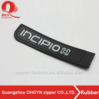 New design silicone plastic rubber tag for bags black rubber tag custom logo and size