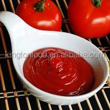 Organic and pure tomato sauce in barrels for food importers and buyers