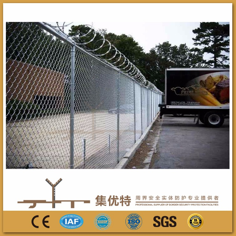 Customized size galvanized and pvc coated hot sale chain link fence slats lowes