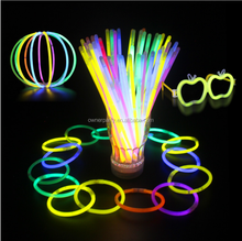 Hot Selling High Quality 8 Inch Neon Glow Stick Bracelets