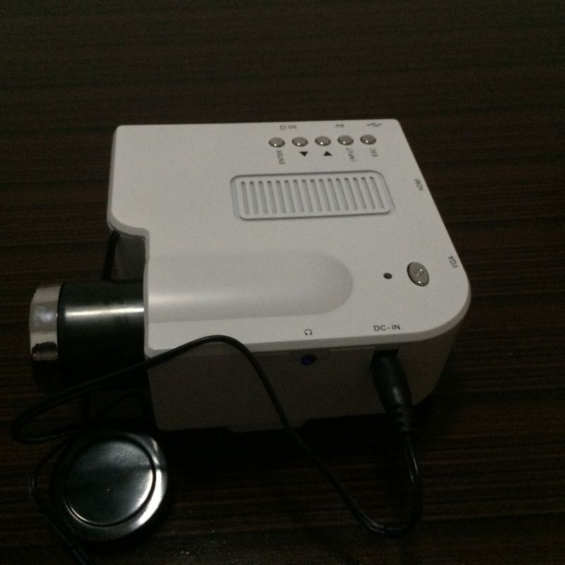 2014 factory wholesale price mini projector toy projector jvc projector