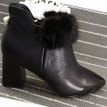 2018 Designer Pure Leather Pretty Women Short Boots with Fluffy Fur