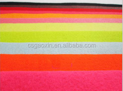 Good quality customized color nonwoven fabric for family use