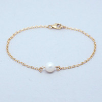 Beautiful bridesmaid Jewelry wholesale 14K gold plating white single pearl bracelet
