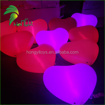 Attractive LED Lighting Custom Inflatable Heart-Shaped Model For Romantic Events