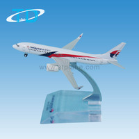 Malaysia Airlines B737-800 9cm diecast aircraft with landing gear