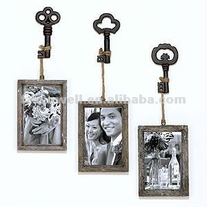 Wooden Photo Frame with key hook