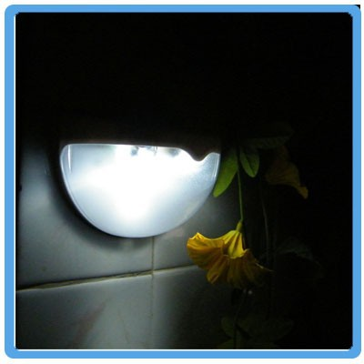 wholesale china 1.2V super brightness day night light sensor solar lamp garden