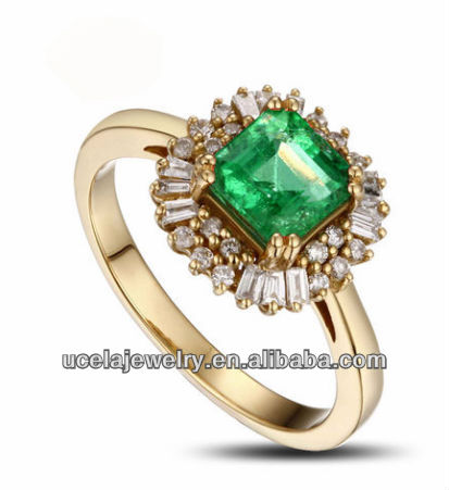 High quality Yellow Gold natural opal emerald ring