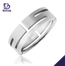 Custom design men's titanium hollow clip ring
