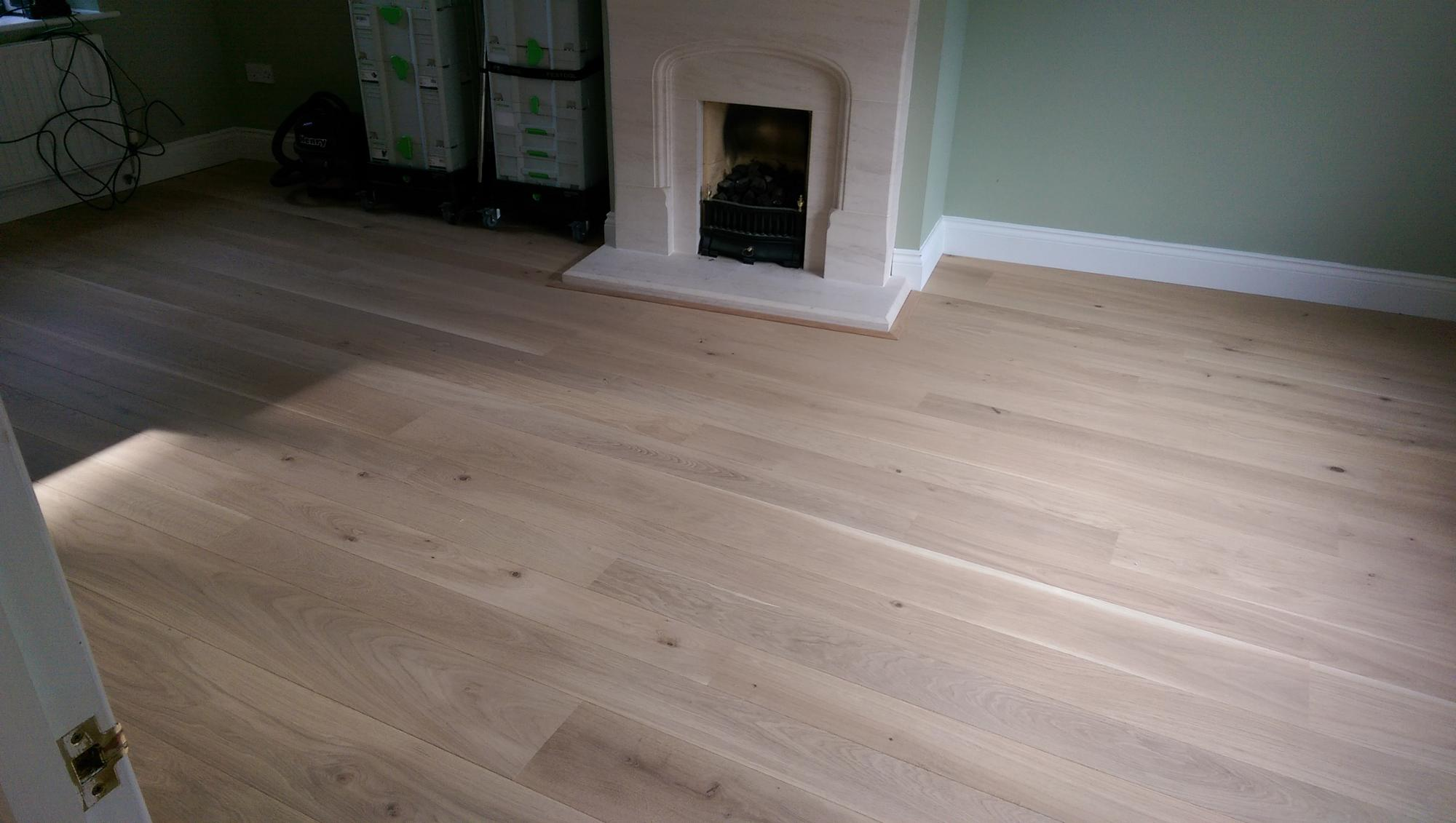 2019 new indoor engineered wood flooring laminate for building materials