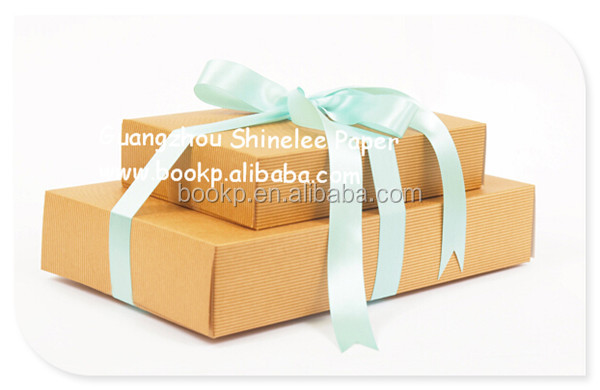 Gift Boxes Recycled /Flat-pack Large Gift Boxes/Valentine's Day Gift boxes with ribbon