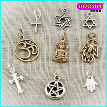 Chinese manufacturer custom silver metal carve logo kinds of souvenirs religious pendant for necklace making