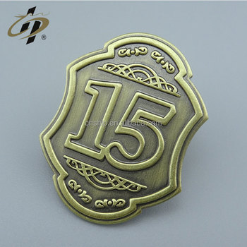 Wholesale high quality zinc alloy custom numbers shield metal badge for clothes