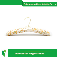 China Wholesale Custom shoulder pads hanger