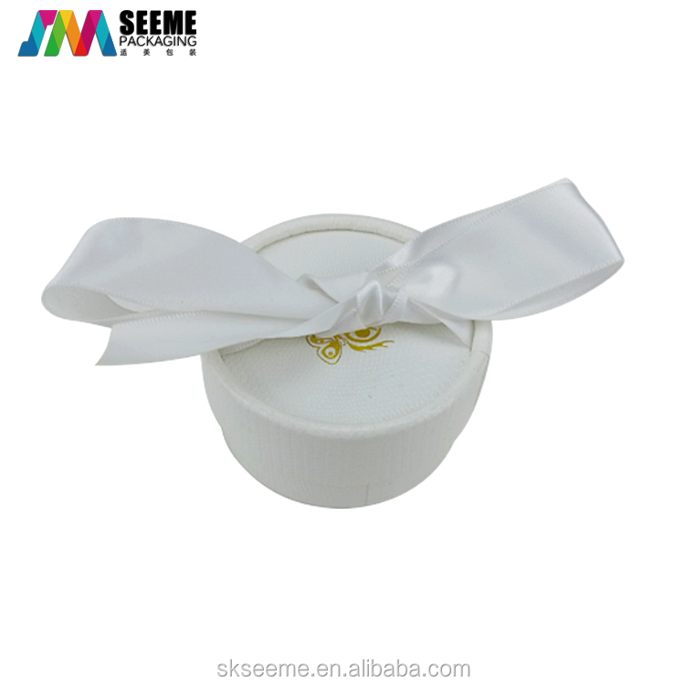 OEM Luxury eyelash extension packaging tube flase eyelash round tube with silk ribbon