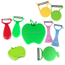 wholesale smiling face tableware kitchen gadgets household products fruit Foldable plastic tomato apple potato peeler