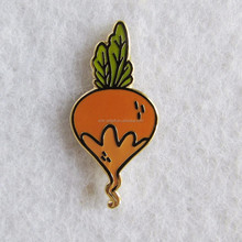 Custom hard enamel gold plated yellow carrot metal pin green leaf for children