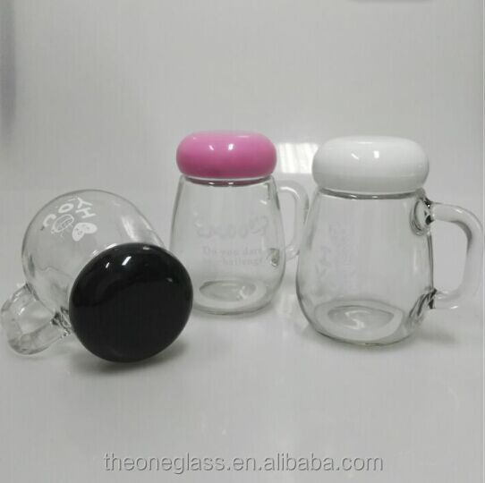 New Design Lovely Handle Glass Mason Jar With Plastic Lid For Drinking