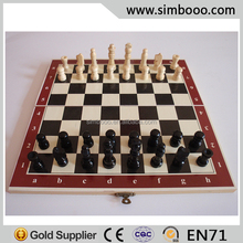 Wooden Play Chessboard Chess Game Set Black and White Chess Pieces Floding Chess Board