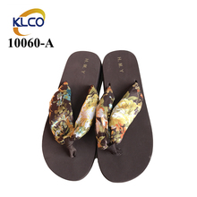Selling Well Knit Garden Women Flip Flop Slippers