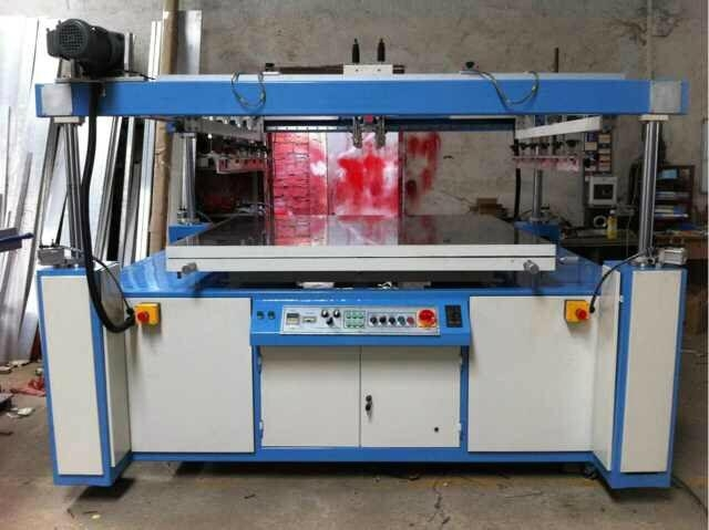 Automatic vacuum table flatbed silk screen printer for PE PP PVC cover